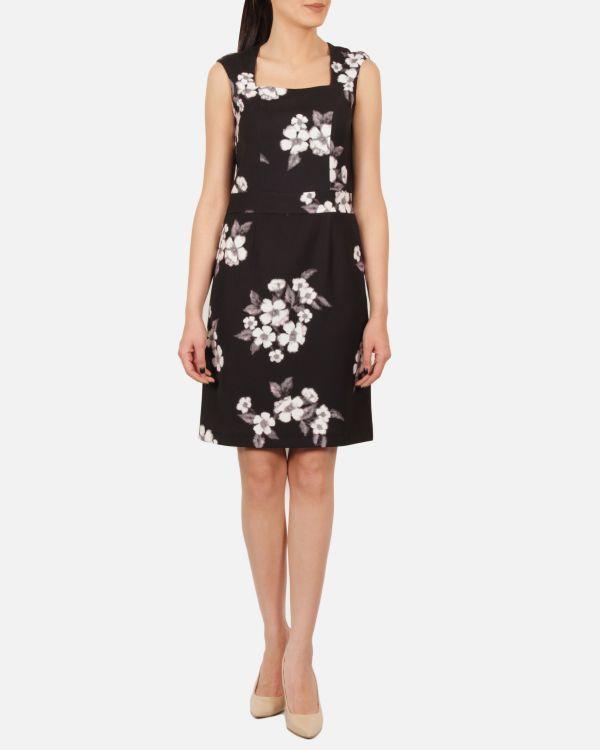 Çiçek Detaylı Kare Yaka Çok Şık Ekol Elbise Modeli