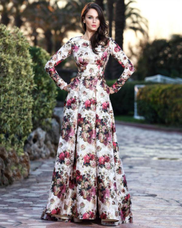 6335dc75b57fc Çiçek Desenli Oldukça Şık Yeni Sezon Seçil Store Abiye Elbise Modelleri