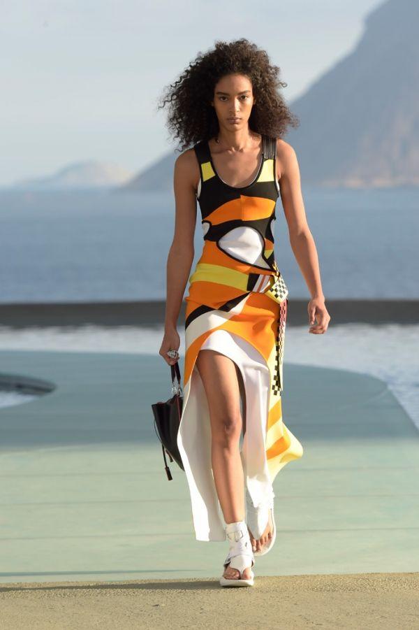2017 Genç Elbise Modelleir Avrupa da Rüzgar Gibi Esiyor