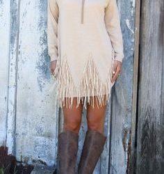 Beyaz Renkli Çok Şık Püsküllü Elbise Modeli
