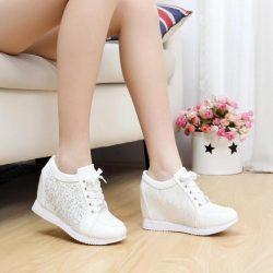 Bayanlar Arasında Yeni Trend Dolgulu Topuklu Ayakkabı Modelleri