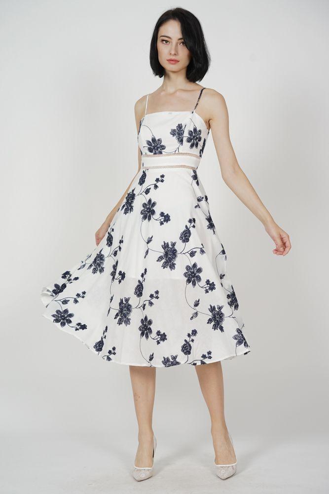 En Şık Kloş Elbise Modelleri