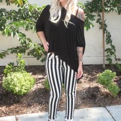 Siyah Beyaz Çizgili Pantolon Modelleri