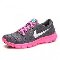 Pembe Altlı Nike Spor Ayakkabı Modelleri