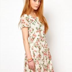 Yarım Kollu Çiçekli Elbise Modelleri