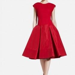 Şık Kırmızı Yeni Pileli Elbise Modelleri