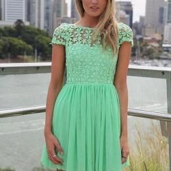 Dantel Detaylı Yazlık Mint Yeşili Elbise Modelleri