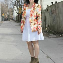 Kilolu bayanlar için çiçek desenli ceket modelleri