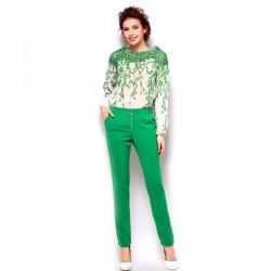 Yeşil Pantolon, ve işlemeli üst kombini