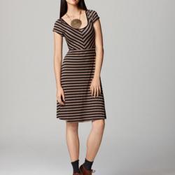 Sokak modasına uygun günlük elbise modelleri