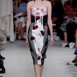 2016 Yaz Modası Omuzları Açık Çiçek Desenli Tasarımlar