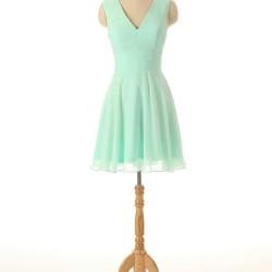 En Güzel Şifon Detaylı Kloş Elbise Modelleri