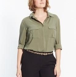 Siyah Pantolon Asker Yeşili Gömlek Kombinleri