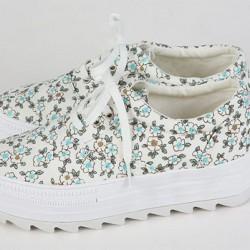 Çiçek Desenli Topuklu Spor Ayakkabı Modelleri