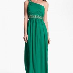 Kemer Detaylı Tek Omuz Askılı İddialı Yeşil Elbise Modelleri