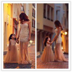Tül Detaylı Çok Şık Anne - Kız Abiye Modelleri