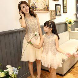Çok Güzel Anne ve Kız Abiye Modelleri