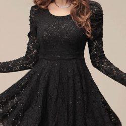 Oldukça Kibar Siyah Kolları Dantelli Elbise Modeli