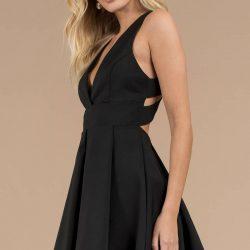 Sırt Dekolteli İddialı Kloş Elbise Modelleri 2019