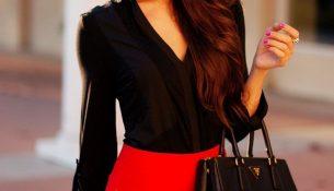 Kırmızı etek siyah bluz kombini