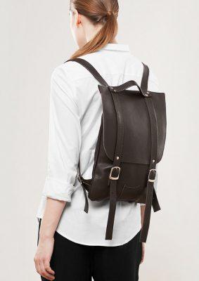 En tarz kadın sırt çantası modelleri